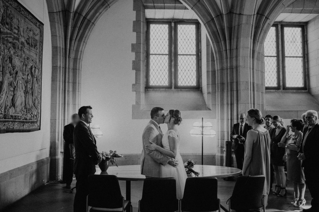 Hochzeitsfotograf-Köln-Bonn-Standesamt-julia-denis