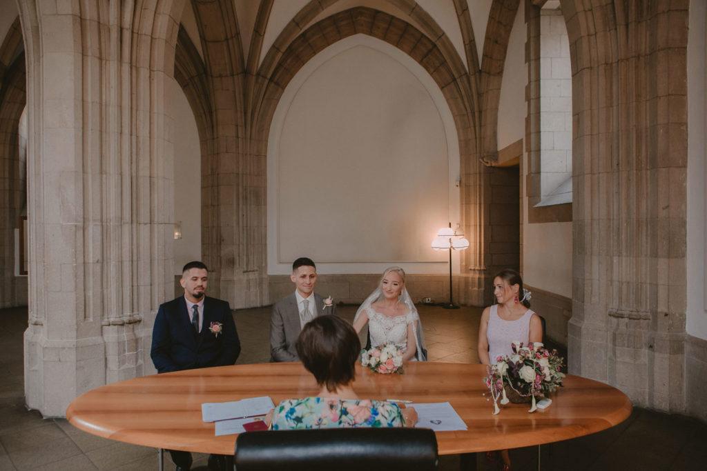 Hochzeitsfotograf-Köln-Bonn-Standesamt-kristin-dominik