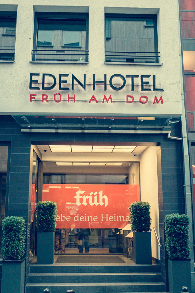 Eingang Eden Hotel Früh am Dom